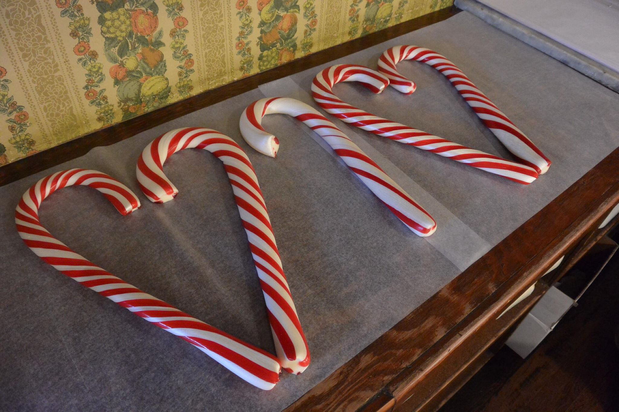 making candy canes the old fashioned way at nelsons candy kitchen in columbia